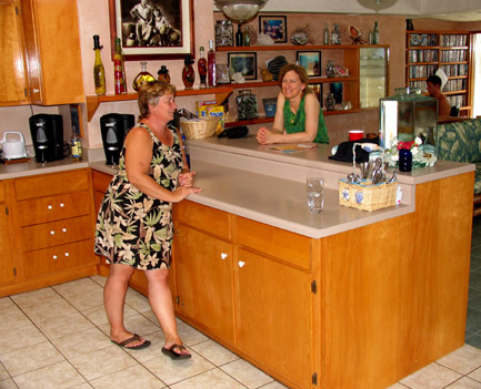 Maui Guest House + Extended Horizons -- U.S. Dive Travel Vacations.